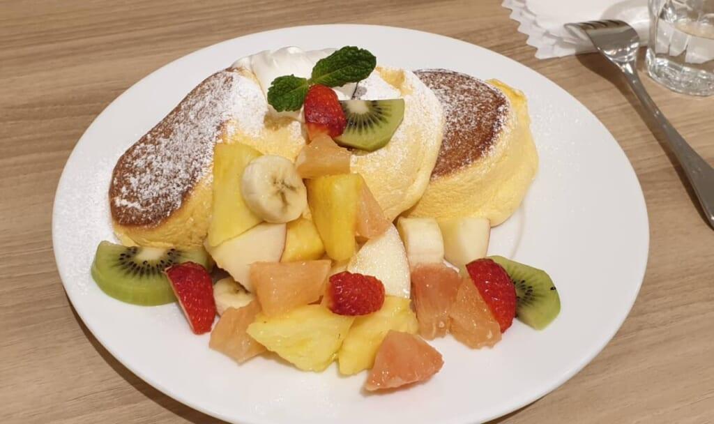 Fruits, chocolat, sirop d'érable... Tant de combinaisons parfaites avec les pancakes japonais !