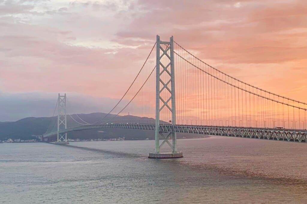 pont suspendu d'akashi au Japon