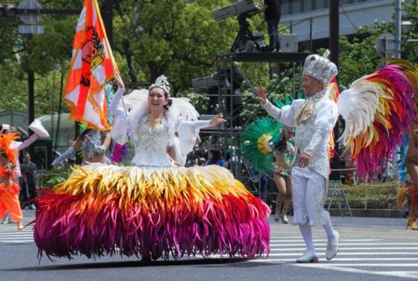 Kobe Samba Festival et ses costumes aux 1001 couleurs