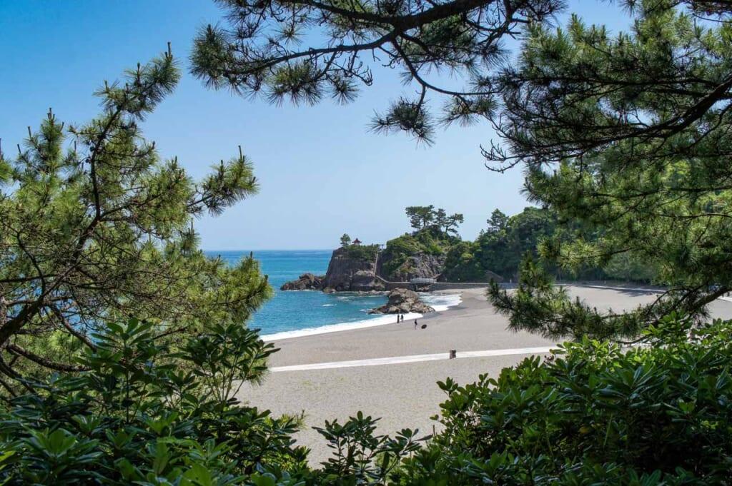 plage du Japon sur l'île de Shikoku