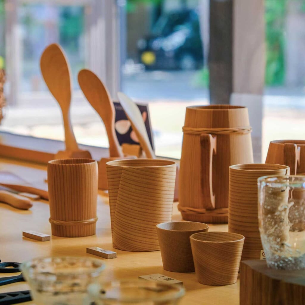 Objets modernes artisanaux japonais Odate magewappa