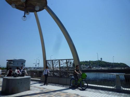 Puente sobre el río Katase en Enoshima (Japón)