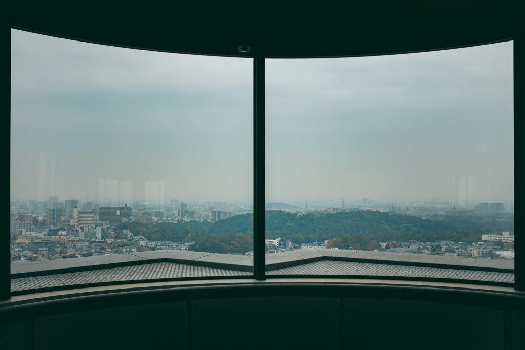 El mirador del ayuntamiento de Sakai, observando un panorama general