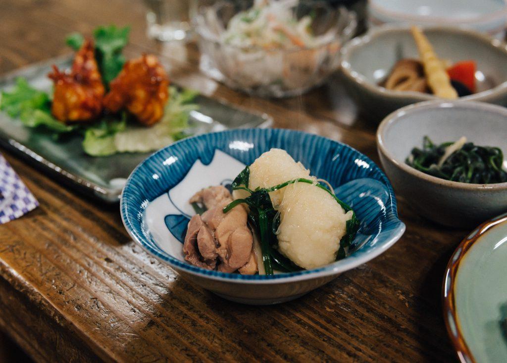 La cena en el hostal de Semboku, en Akita