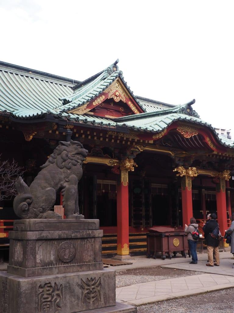 Santuario Nezu, en Yanesen.