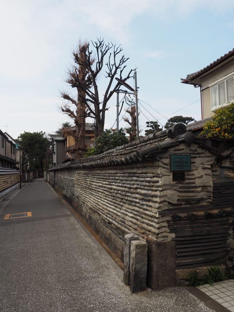 Una pared de 400 años de antigüedad