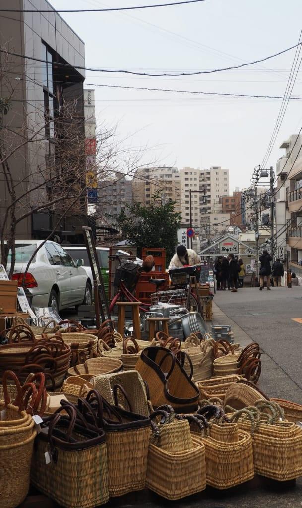 Detalles de la calle Yanaka Ginza, Yanesen, Tokio, Japón