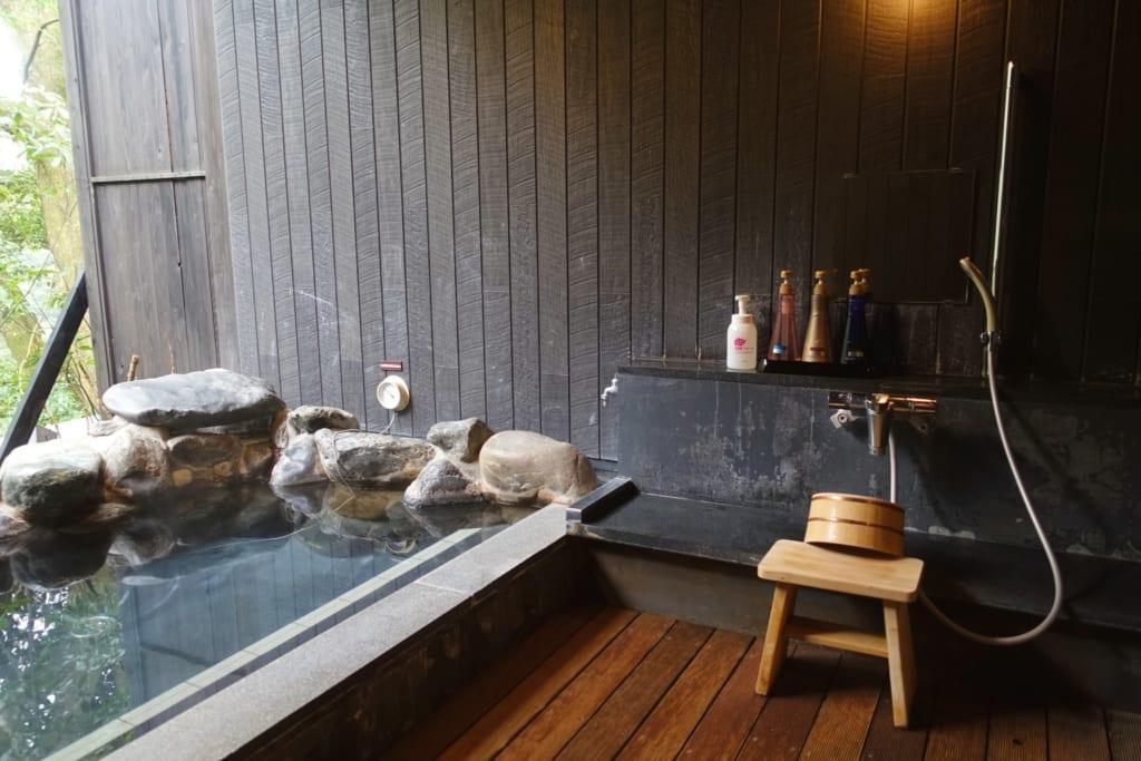 Onsen  privado en Hakone, Kanagawa, Japón