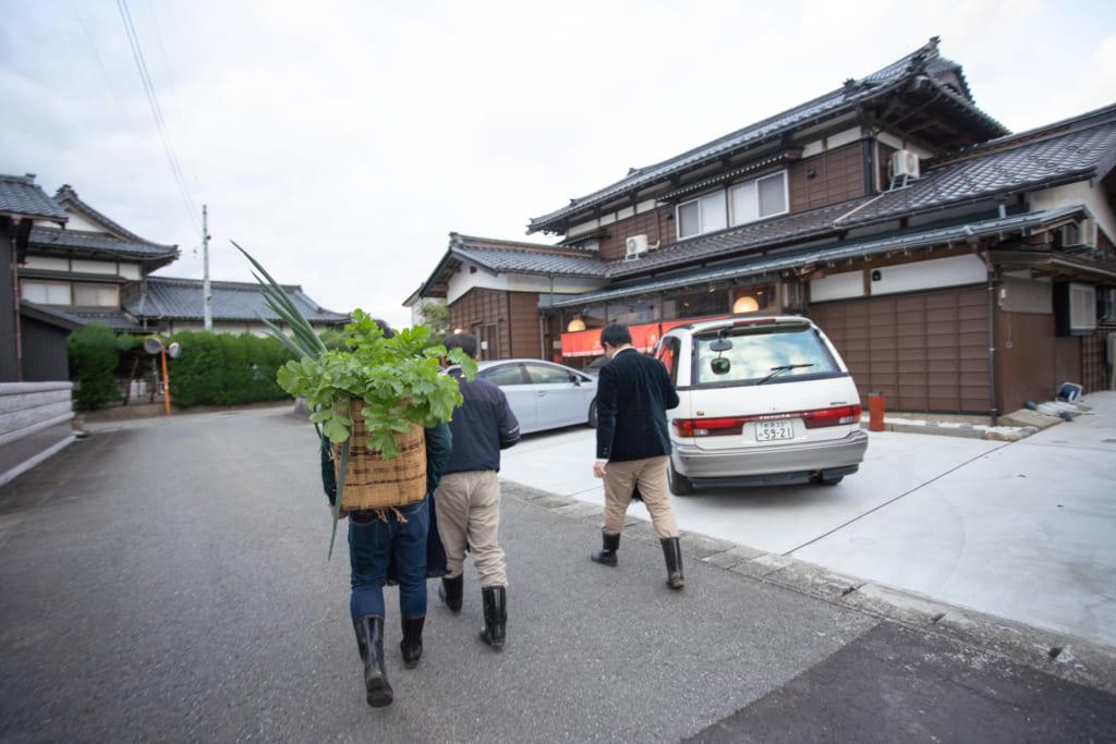 De camino para Iromusubi en Murakami, Niigata, Japón