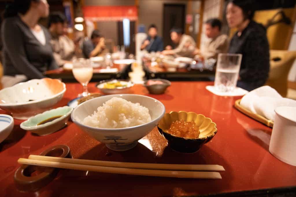 La cena de Iromusubi en Murakami, Niigata, Japón