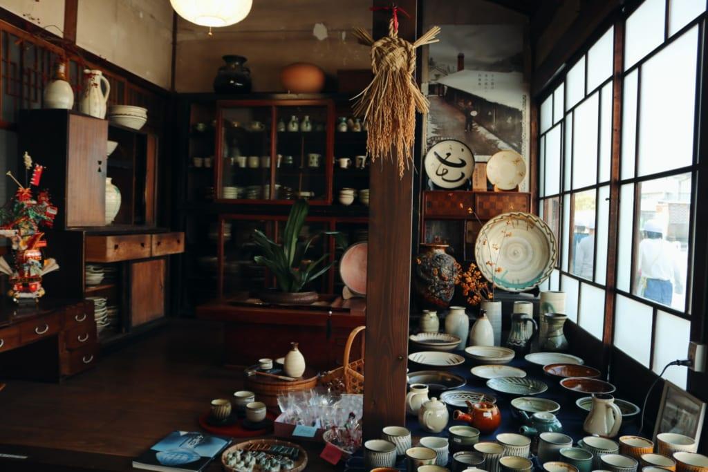 Tienda de cerámica de Mameda Town, Hita, Oita, Japón