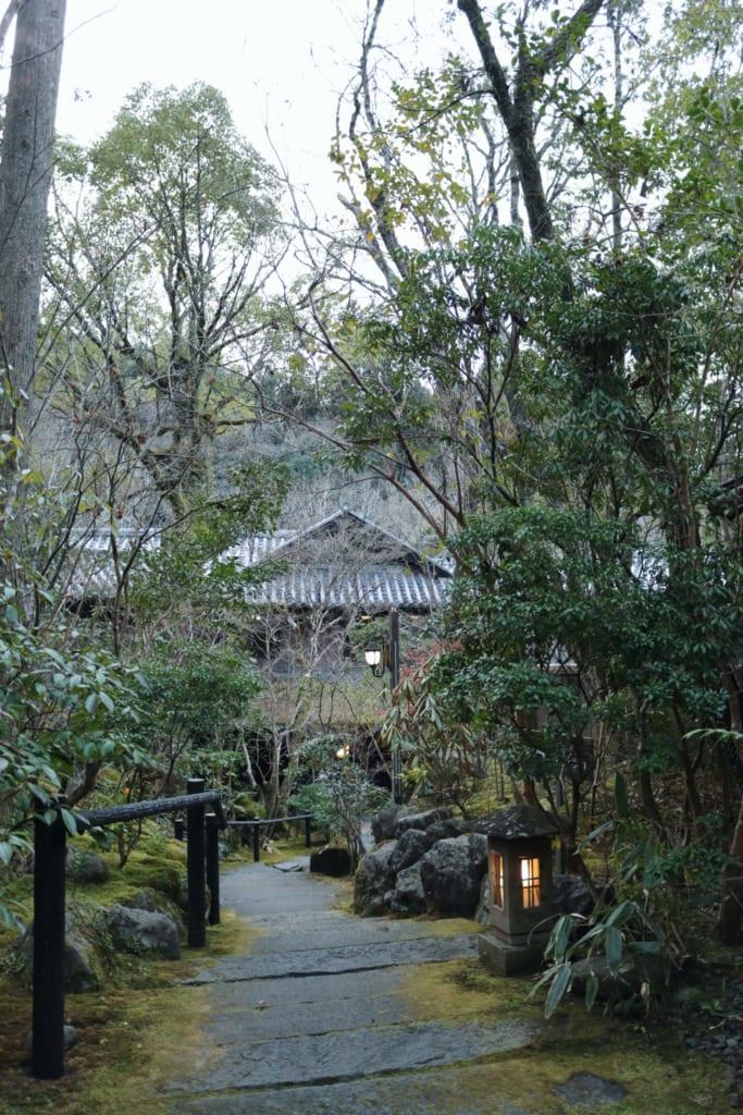 exterior del Ryokan con onsen Tensui