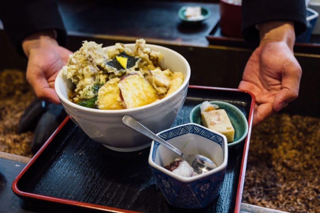 Una comida con soba en el Funatsu soba