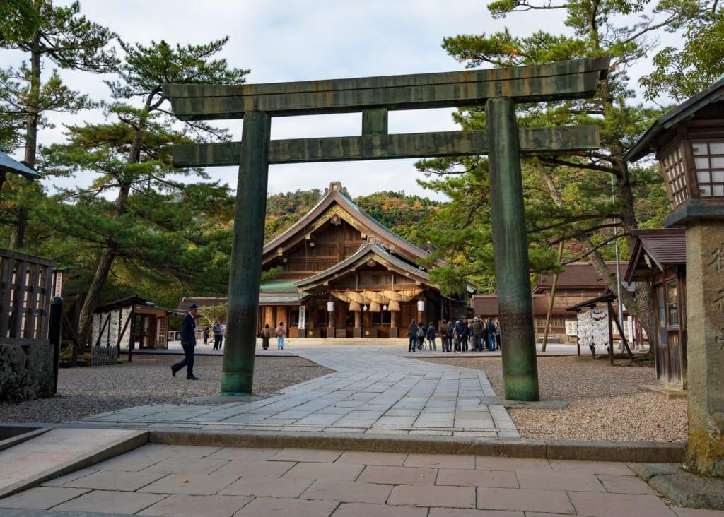 Torii en el santuario izumo taisha