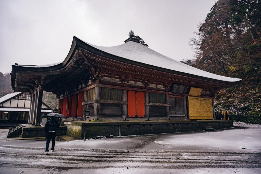 Nevando en el templo Daisenji