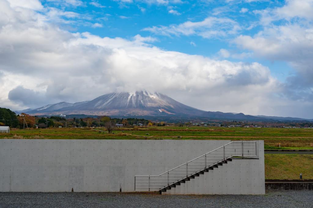 La vista exterior del Mt Daisen desde el museo