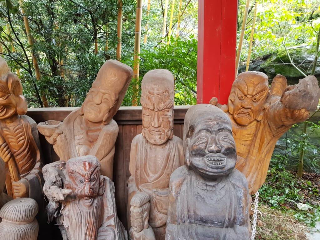 Fudoki no Oka Mantra en la ciudad de Matsuyama. Reúne los 88 deidades que los peregrinos visitan.