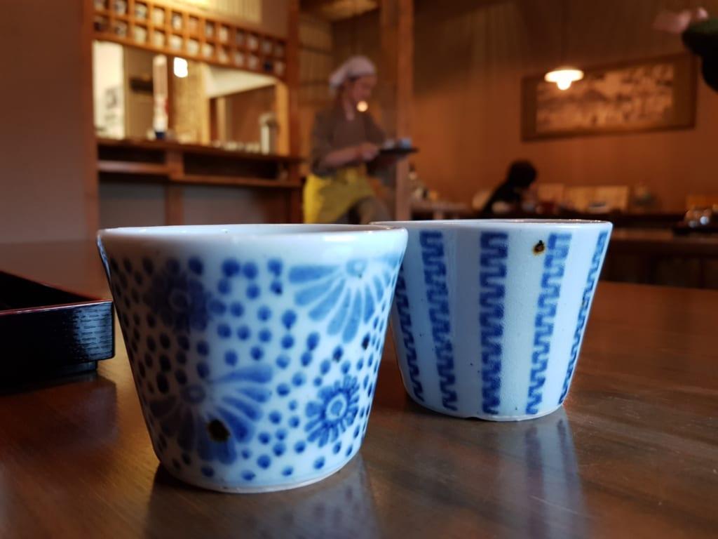 Cerámica expuesta en el restaurante Tomi Soba