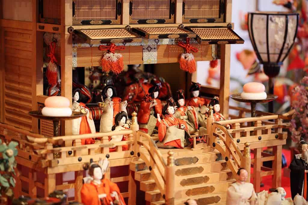 Las muñecas Goninbayashi, representando músicos.