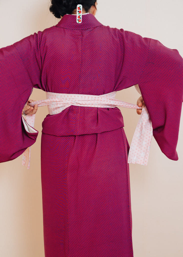 Proceso de cómo ponerse un kimono: el cinturón korin