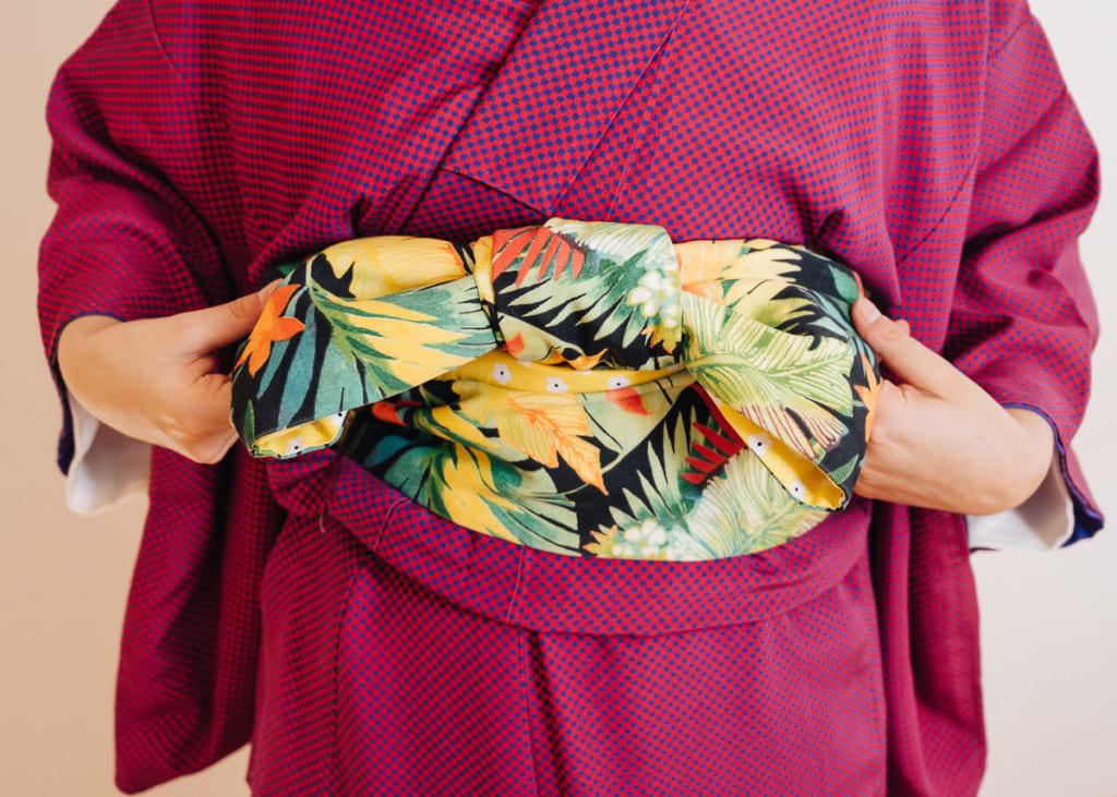 un hanhaba obi atado con el estilo bunko