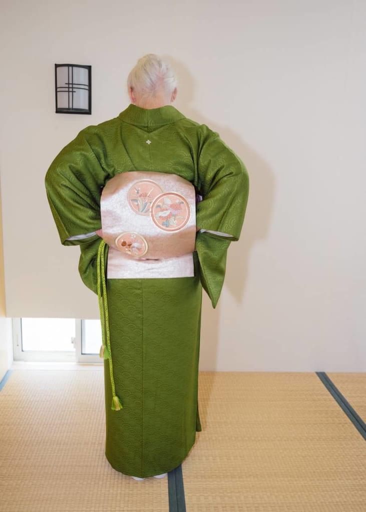 Poninendo el obijime dentro de tu Nagoya Obi.