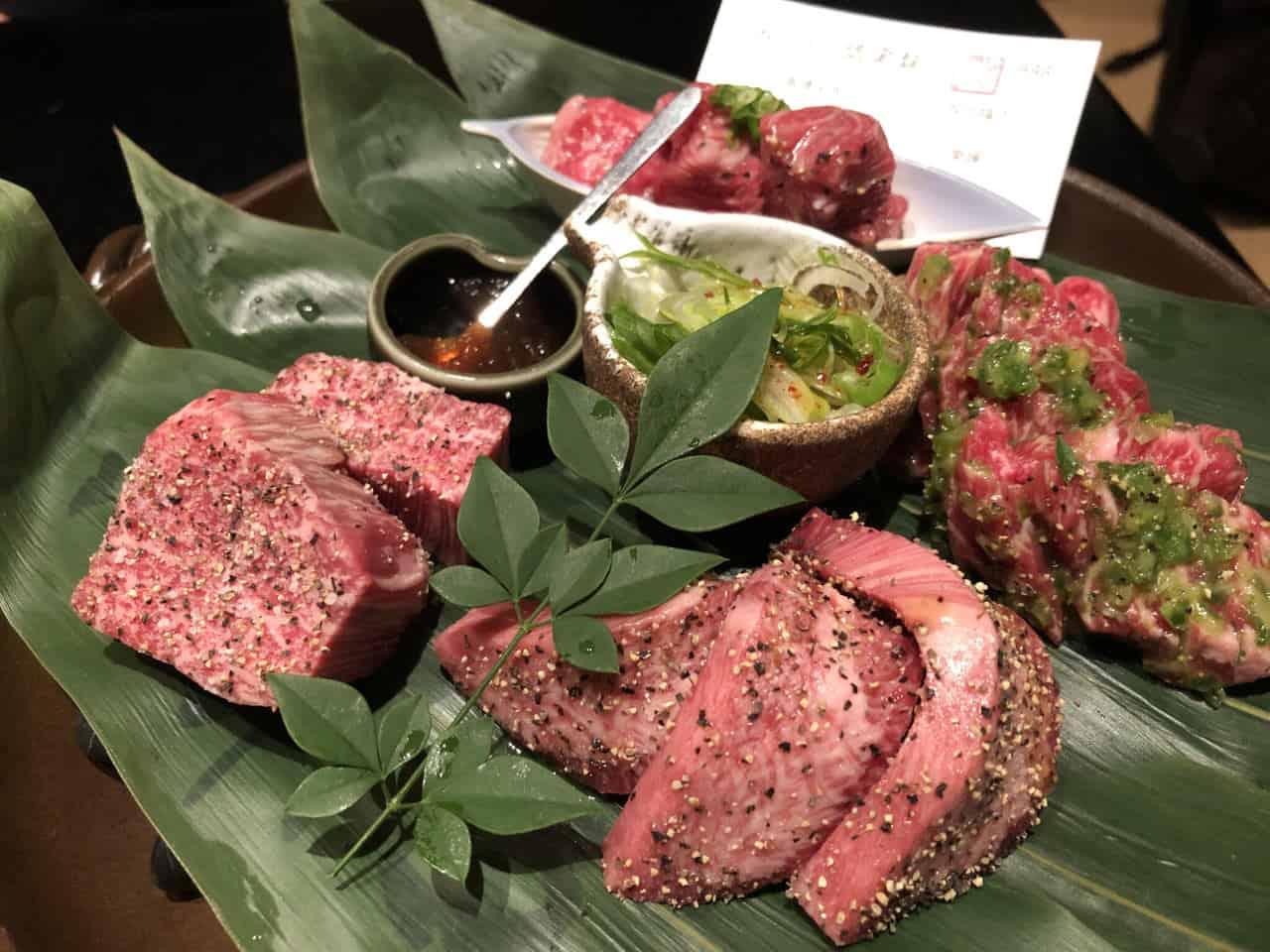 Yakiniku: come carne asada a la japonesa
