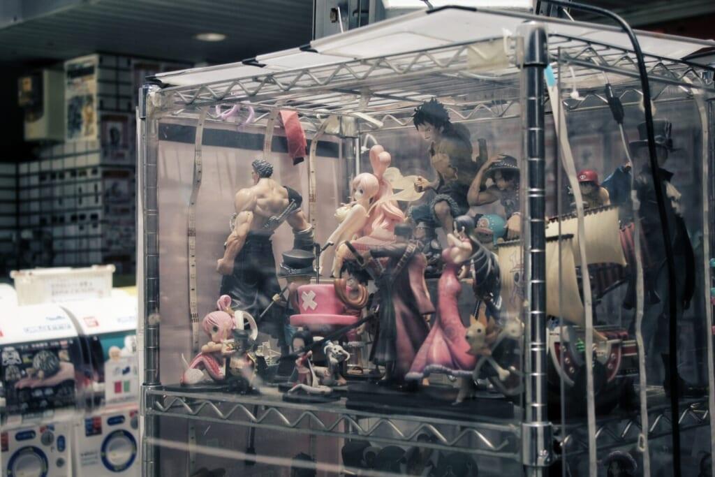 Un gran surtido de figuritas anime