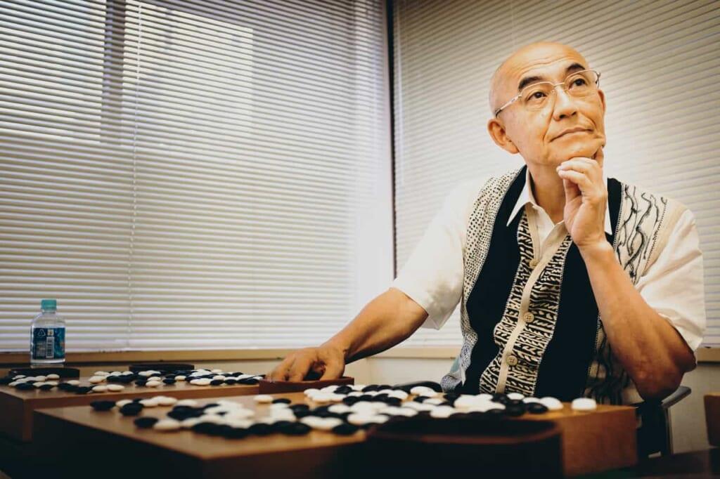 takemiya masaki, un jugador profesional de Japón del Go