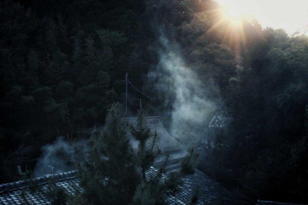 El misticismo de la zona de Arashiyama al anochecer