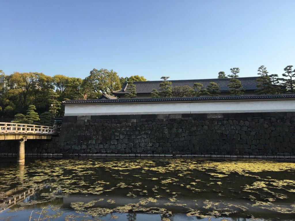 Los jardines japoneses en Tokio del Palacio Imperial