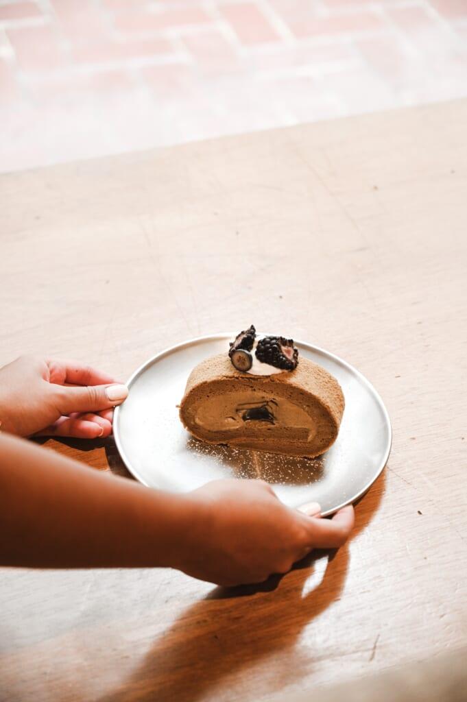 Pasteles japoneses: un roll cake de chocolate