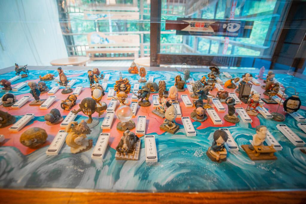 figuras de gegege no kitaro en el museo de chofu