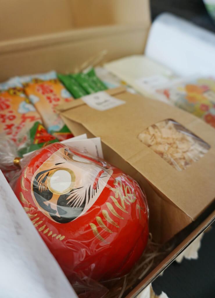 El contenido de la caja con productos japoneses
