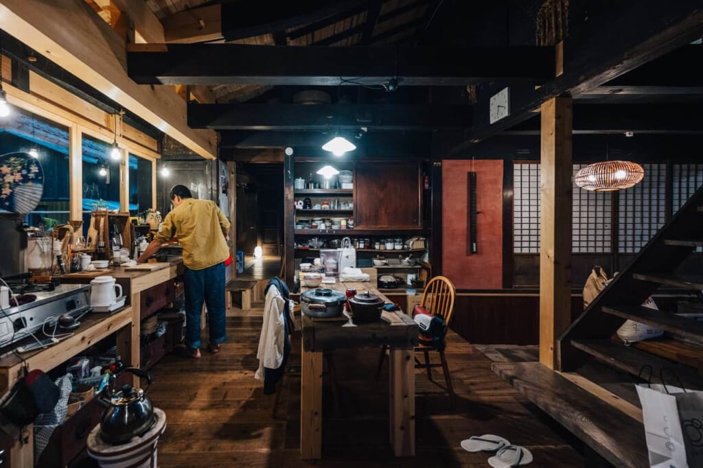 La cocina abierta de la casa Yanoya