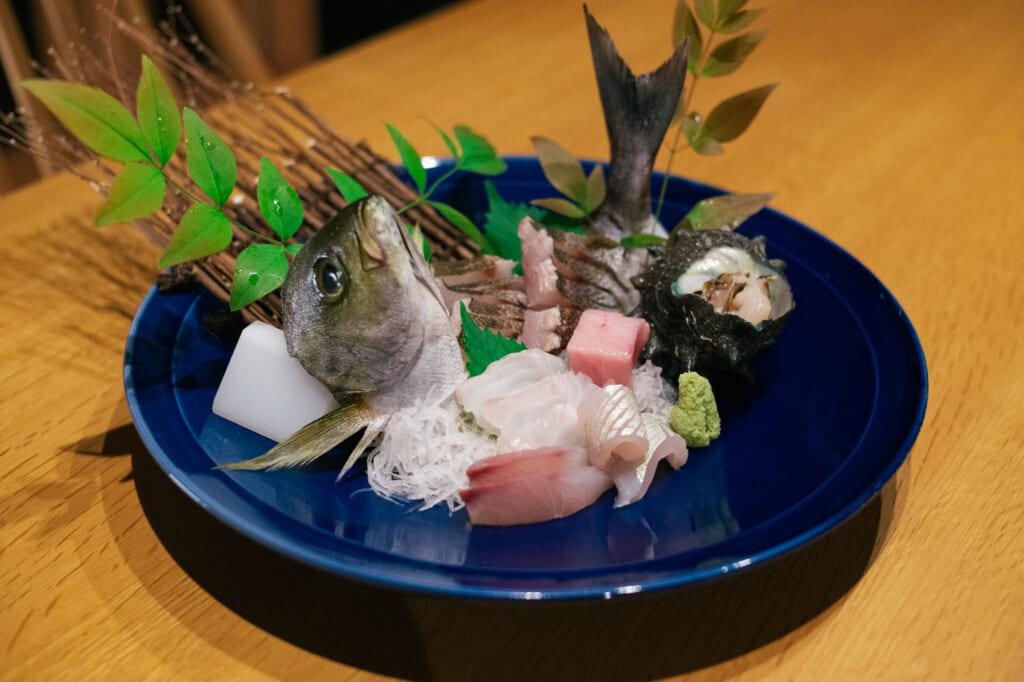Sashimi fresco en la isla de Ojika
