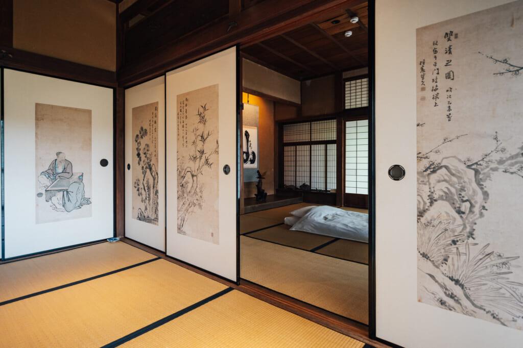 Interior de una casa tradicional en la isla de Ojika