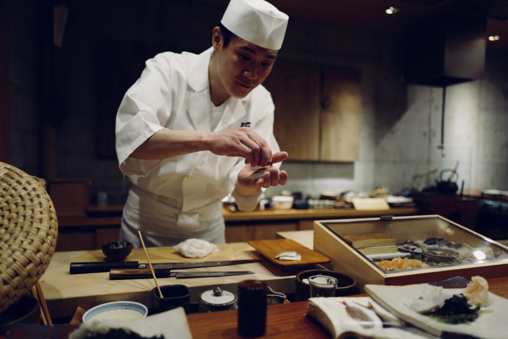 Un cocinero japonés