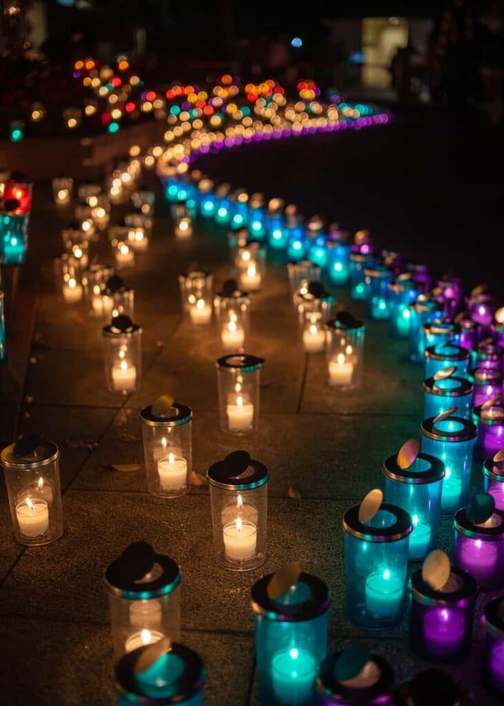 Detalles de las luces en la isla de Enoshima