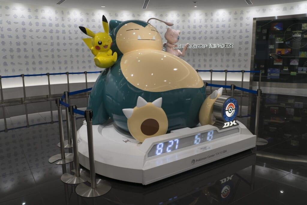 Snorlax en entrada de Pokémon Center en Tokio