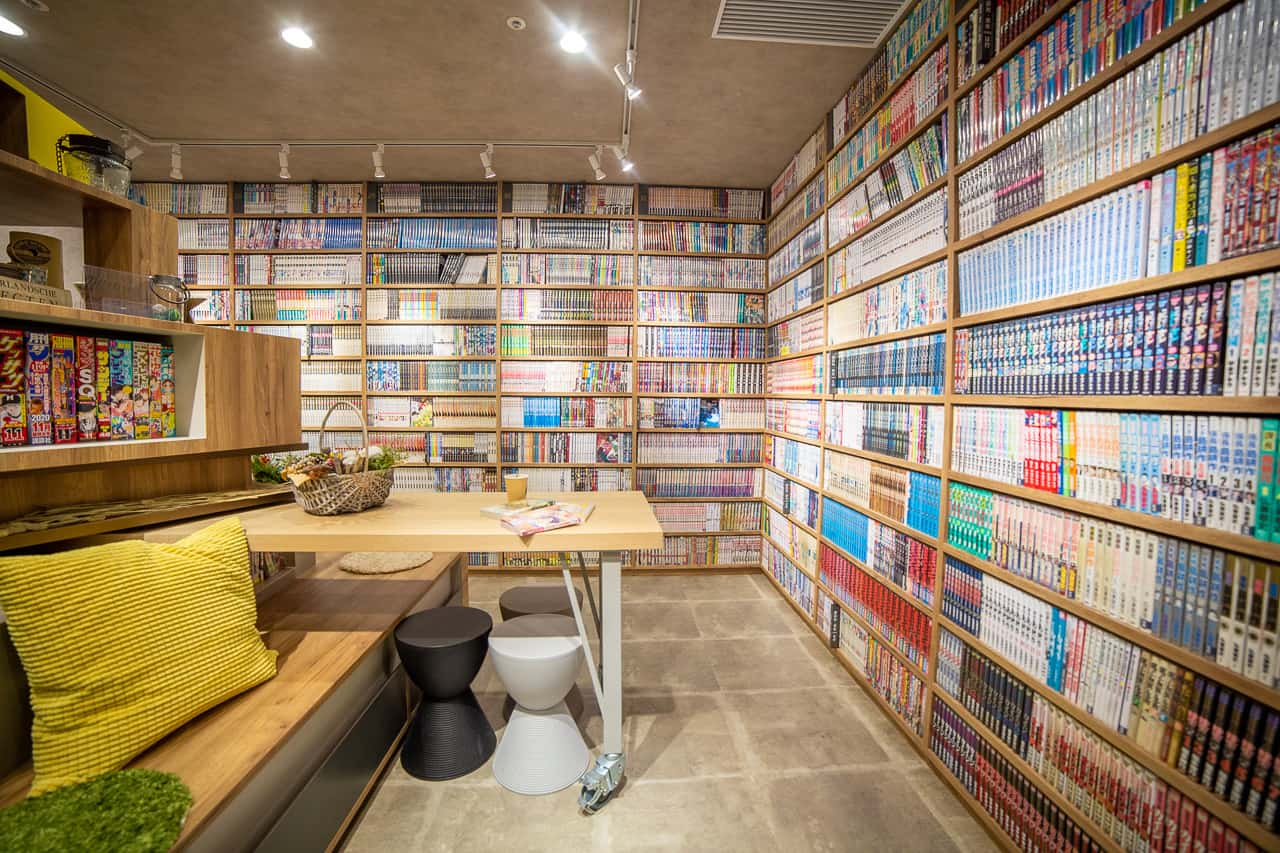 Manga café: un alojamiento barato donde podrás leer manga