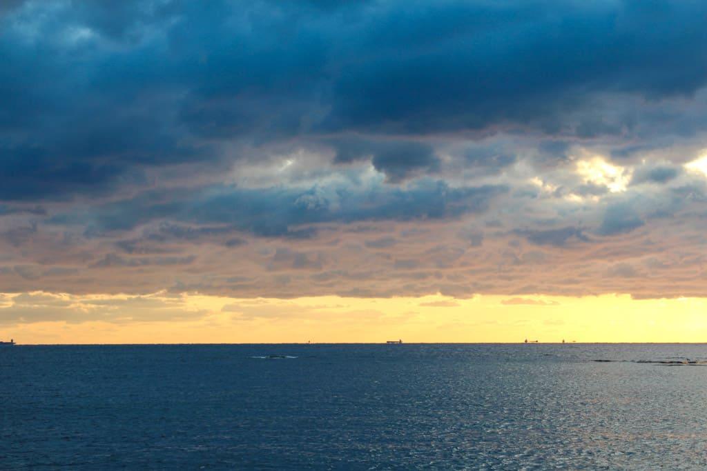 El magnífico anochecer de la playa Shirahama