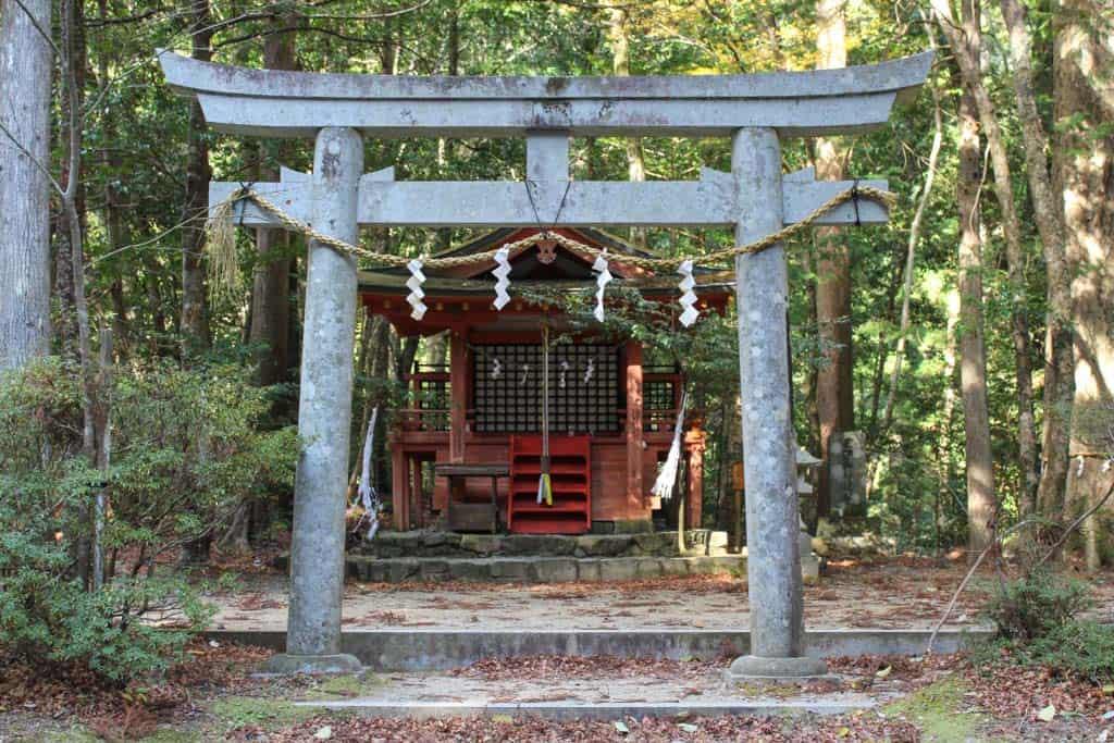 Hosshinmon-oji es uno de los pequeños santuarios dentro del Kumano Kodo