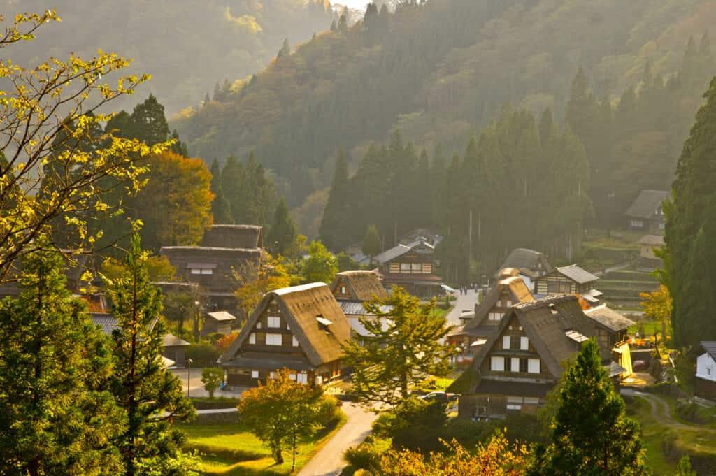 El pueblo de Gokayama durante la ruta con el Hokuriku Arch Pass