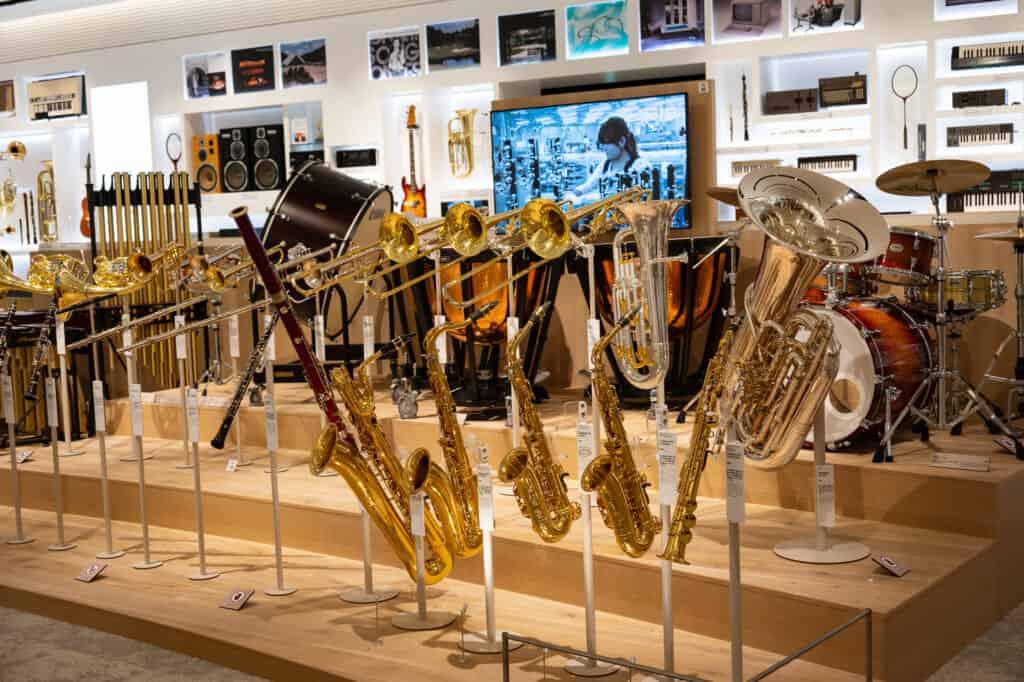 Distintos instrumentos de viento y de percusión