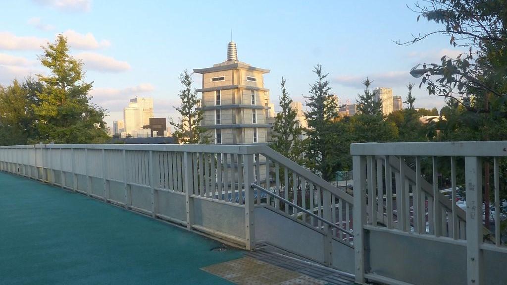 Puente Shinanomachi en Tokio