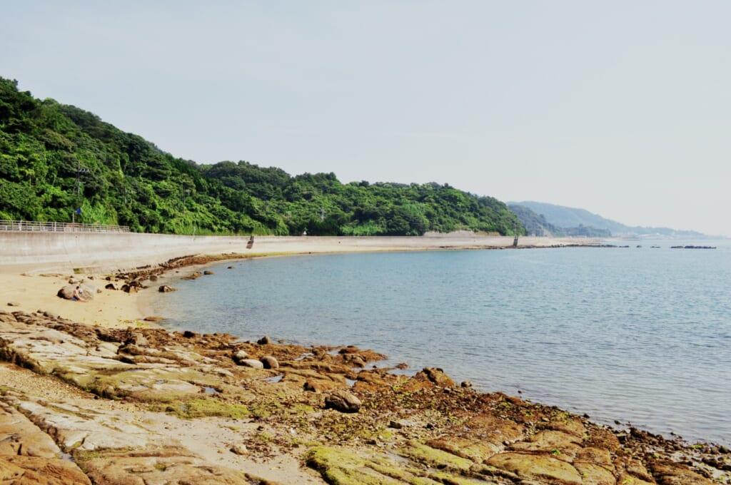 Puedes recorrer el litoral de Matsuyama con coche