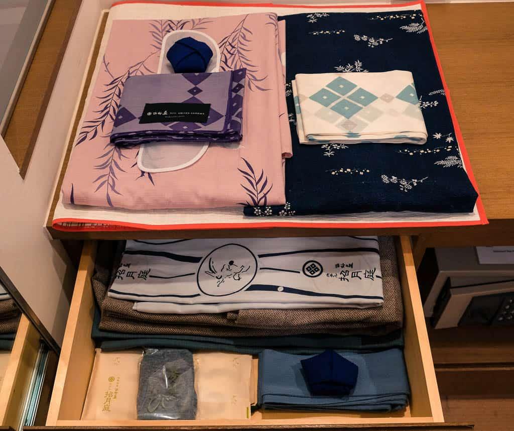 Un yukata preparado en un ryokan
