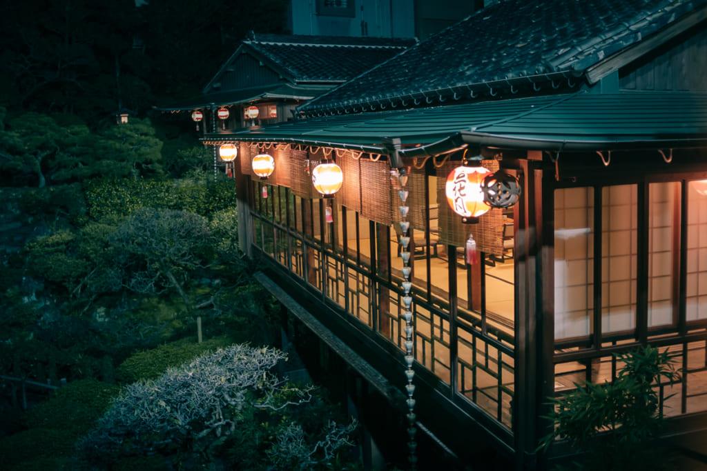 La zona exterior del ryotei en Nagasaki