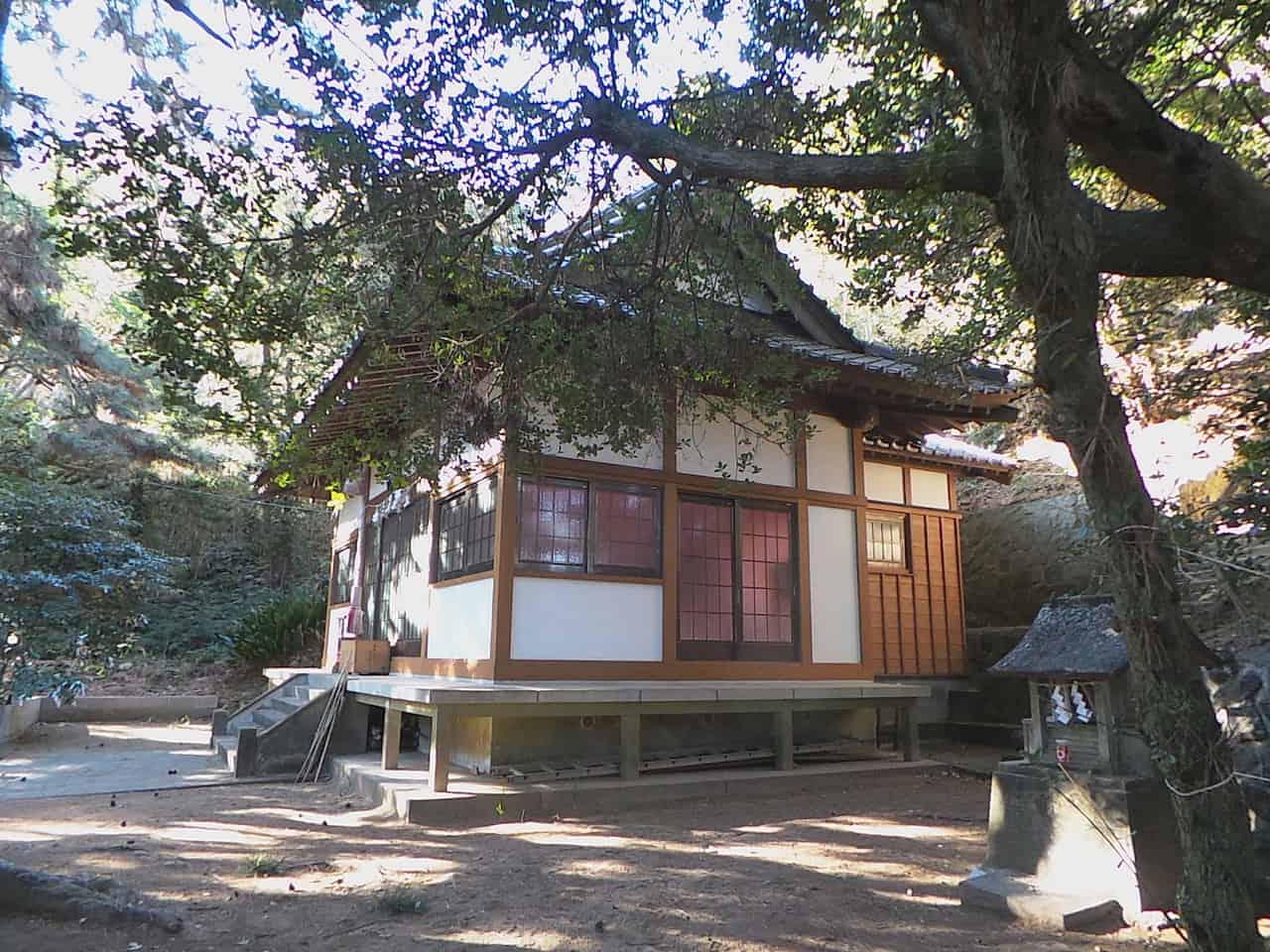 Der Kumomi Sengen Schrein in Kumomi Onsen, Shizuoka, Japan